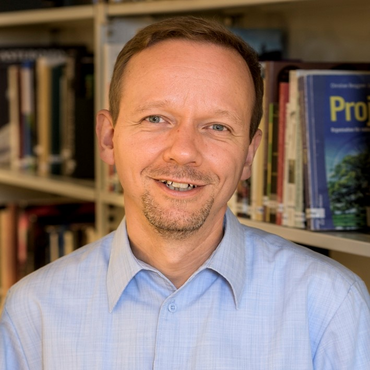 Dr Rainer Timm